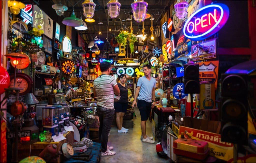 Talad Rod Fai Train Market
