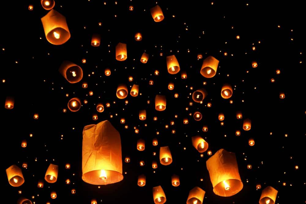 Khom Loy Lantern